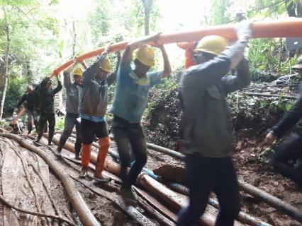 เข้าร่วมทำงานกับทีมงาน ปตท เชื่อมประสานและวางท่อ PE ขนาด 110มมความยาว1500ม เพื่อช่วยเหลือนักฟุตบอล ทีมหมูป่า ที่ติดอยู่ในถ้าหลวงขุนน้ำนางนอน