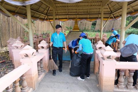 กปภ.ข.8 ลงพื้นที่ทำกิจกรรม กปภ.จิตอาสาร่วมฟื้นฟูชุมชน บริเวณพื้นที่เมืองวารินชำราบ