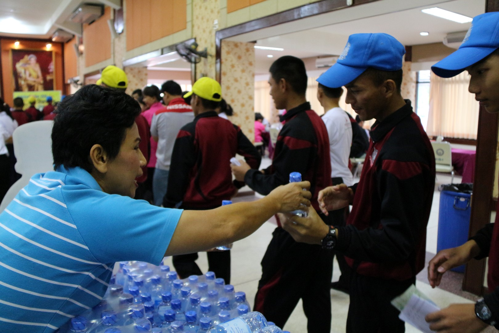 กปภ.ชลบุรี (พ) บริการน้ำดื่มใน วันผู้บริจาคโลหิตโลก (World Blood Donor Day)